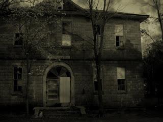 El misterio de la escuela Embrujada
